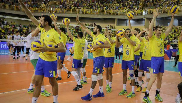 Brasil e Estados Unidos fazem clássico do vôlei em Goiânia