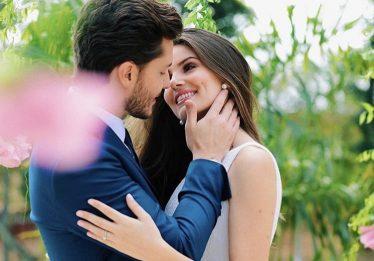 Camila Queiroz e Klebber Toleledo se casam no civil