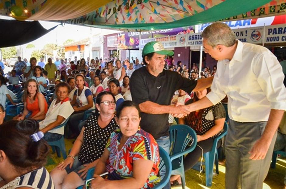 """Governo de Goiás anuncia programa de cirurgia de cataratas """"para zerar a fila de espera"""""""