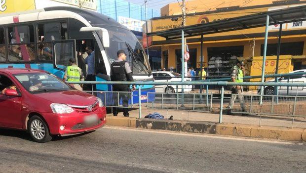 Homem é atropelado por ônibus do Eixo Anhanguera, em Goiânia