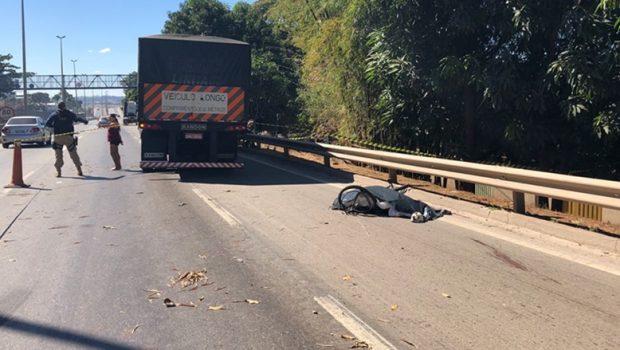 Após matar a companheira em hotel, ciclista morre em acidente na BR-153 em Goiânia