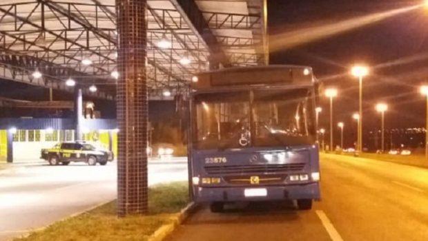 PRF prende no DF motorista de ônibus clandestino que era foragido da justiça