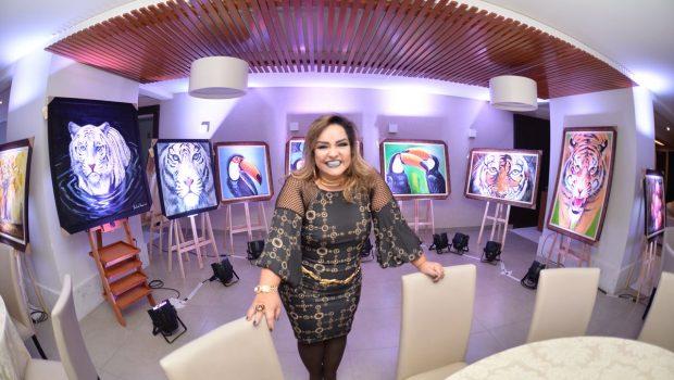 Após 10 anos, Andreia Nunes retorna às galerias de arte