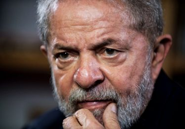 TSE deve decidir nesta quinta sobre pedido do PT para garantir Lula em debate