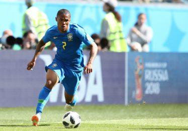 Douglas Costa não jogará contra Sérvia