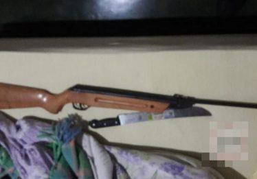 Mulher atira em marido que a esfaqueou, em Rianápolis