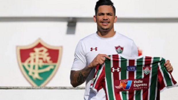 Fluminense contrata jogador goiano