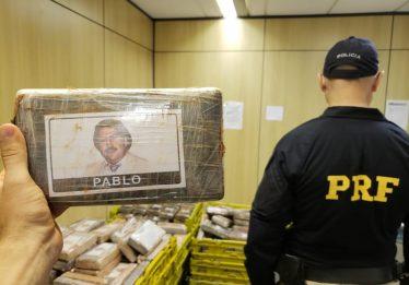 PRF apreende 889 quilos de cocaína em Curitiba