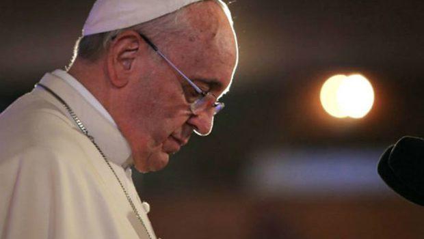 Papa aceita renúncia de bispos chilenos suspeitos de pedofilia