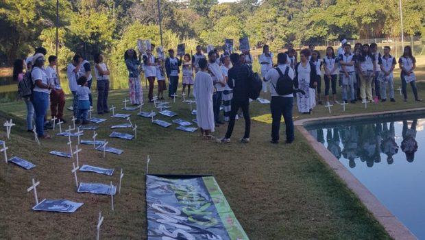 Protesto e audiência na Alego cobram e discutem soluções para mortes violentas de jovens em Goiás