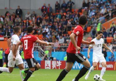 Com gol no final, Uruguai supera Egito