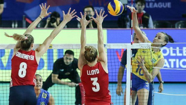 Seleção feminina de vôlei cai diante dos EUA