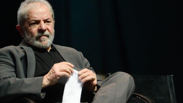 Abatido, Lula tem escassez de visitas em Curitiba pós-eleição