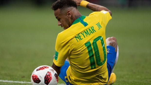 Neymar fica fora da lista de finalistas do prêmio de melhor do mundo