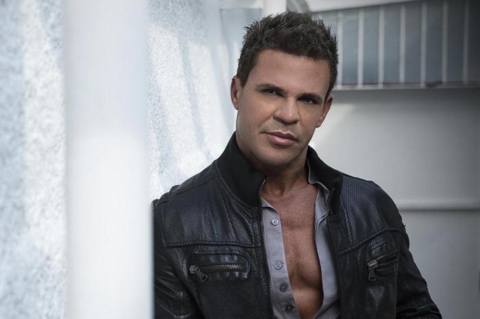 Cantor sertanejo Eduardo Costa é acusado de estelionato em venda de casa
