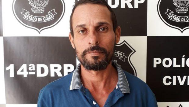 Homem é preso após esfaquear ex-mulher, em Bom Jardim de Goiás