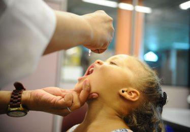 Em Goiás, 950 postos participam do dia D de vacinação contra sarampo e poliomelite neste sábado