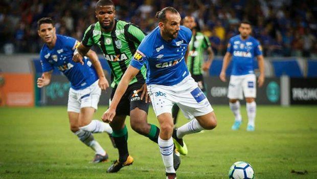 Cruzeiro vira sobre o América-MG e reage na tabela do Brasileirão