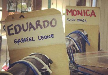 Divulgada foto dos bastidores de 'Eduardo e Mônica'