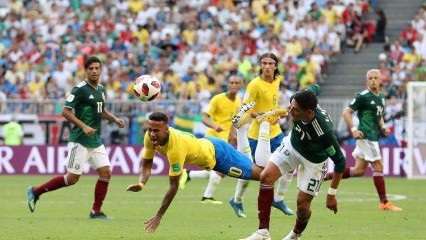 Van Basten ironiza comportamento do atacante brasileiro