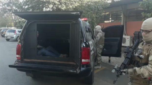 Durante operação, PC prende dois homens, encontra drogas e recupera um veículo roubado