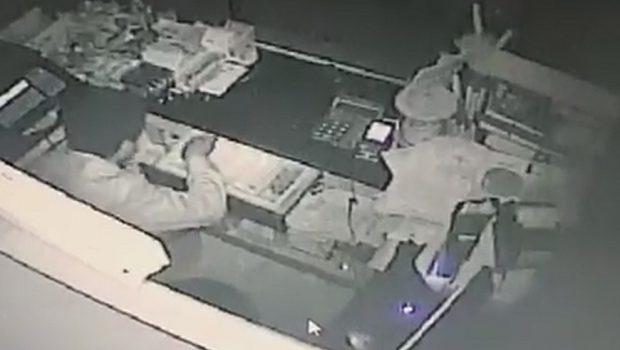 Câmeras de monitoramento flagram ladrão em panificadora de Goiânia