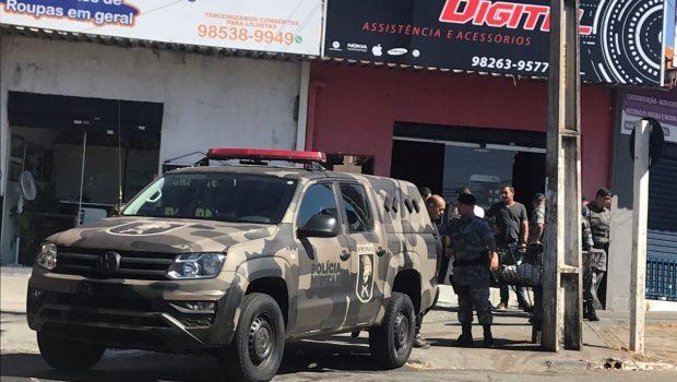 Adolescente morre em troca de tiros com a PM após tentar assaltar loja em Aparecida de Goiânia