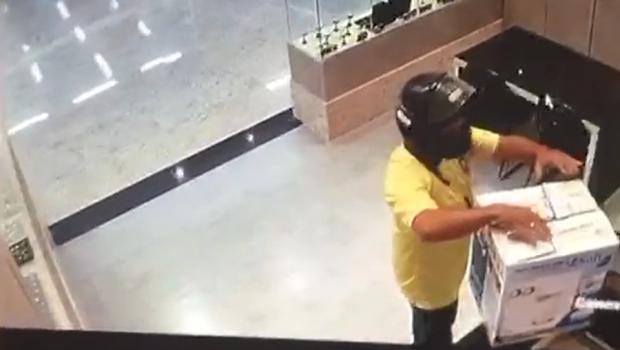 32206d88b34 Joalheria é assaltada dentro de shopping no Setor Oeste