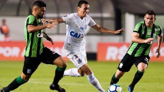 Santos sofre gol polêmico, perde do América-MG e chega ao 4º jogo sem vitória