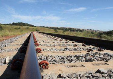 Ministro diz que governo vai conceder 3 ferrovias até 2020