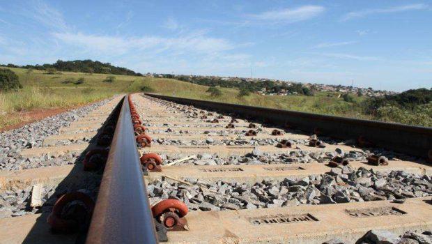 Governo vai recorrer a empresas para construir ferrovias