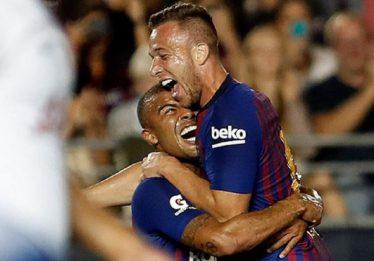 Arthur marca golaço e Malcom bate pênalti decisivo em vitória do Barcelona
