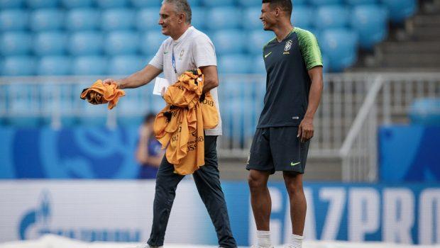 Tite confirma time com Filipe Luís e Fagner nas laterais