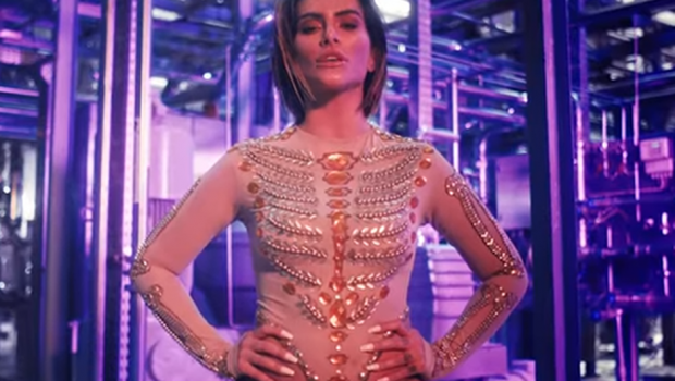 'Bandida': Cleo (sem Pires) lança mais um clipe de sua carreira como cantora