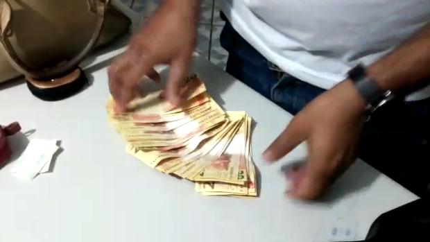 Mulher é presa no Centro de Goiânia com mais de R$ 600 em notas falsificadas