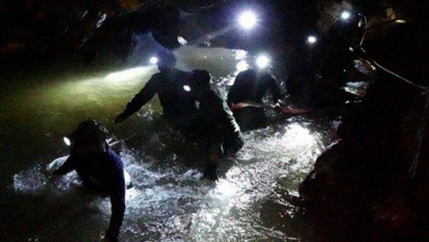 Mais um menino é retirado de caverna na Tailândia; cinco já foram resgatados