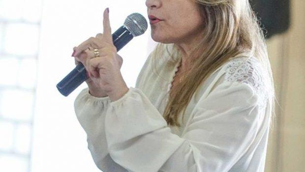 Deputada Flávia Morais não poderá participar do Saúde em movimento