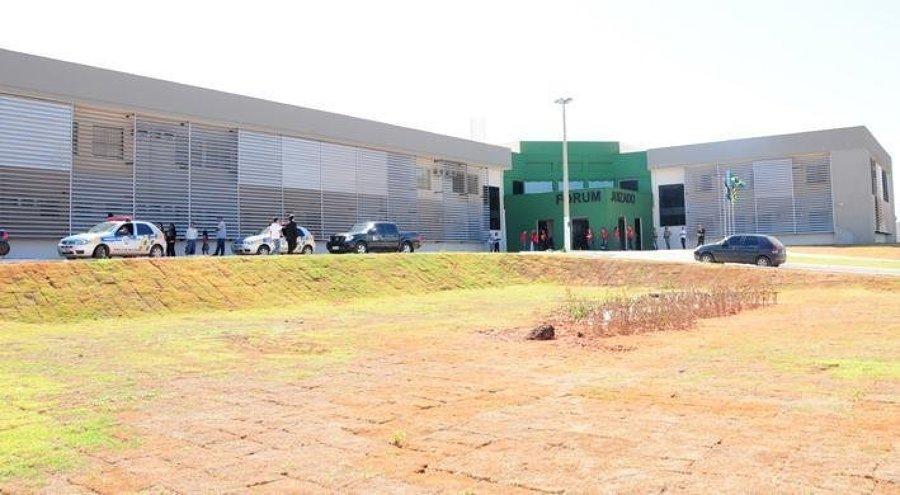 Oficial de justiça que manipulava distribuição de mandados é afastado, em Novo Gama