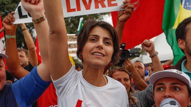Sem unidade na esquerda, Manuela D'Ávila diz que seguirá candidata