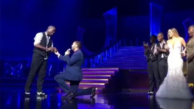 Mariah Carey interrompe show e ajuda no pedido de casamento a um de seus dançarinos
