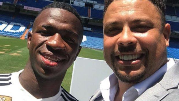 Com padrinho Ronaldo, Vinicius Junior é apresentado sob elogios de presidente do Real Madrid