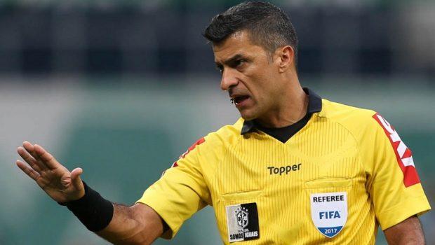 Fifa mantém dois brasileiros na equipe de arbitragem da Copa