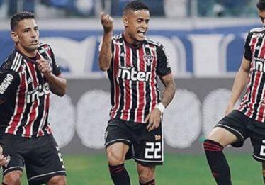 Melhor visitante, São Paulo vence 'freguês' Cruzeiro e segue na cola do Flamengo