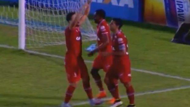 Vila Nova sofre, mas vence o Paysandu