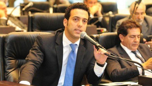 Deputado Bernardo Carli, do Paraná, morre em acidente de avião