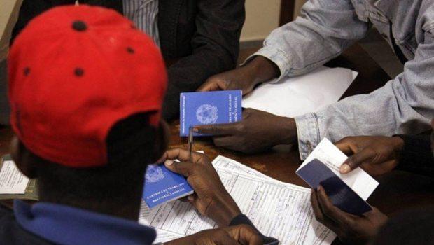 Justiça determina que crianças haitianas sejam separadas dos pais em Curitiba