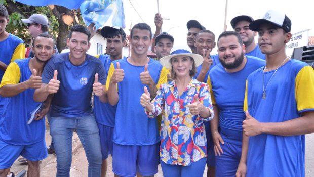 Raquel Teixeira faz carreatas pelo interior do Estado