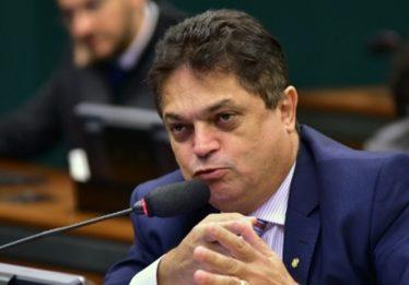 Ministro do STJ autoriza deputado a deixar prisão para se candidatar