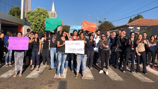 Faculdade de Medicina em Mineiros é alvo de protestos de estudantes por falta de professores