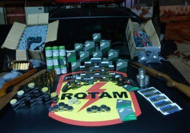 Empresário é preso por fabricar e vender munições em comércio, em Cocalzinho de Goiás